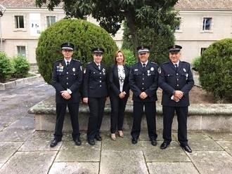 Cinco policías locales de Guadalajara recibieron ayer en Toledo las Medallas a la Permanencia