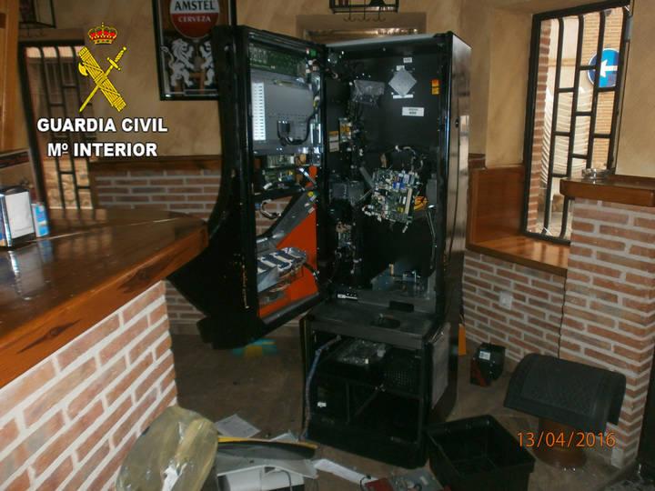La Guardia Civil detiene a una persona en El Casar por robas en bares y 'reventar' tragaperras