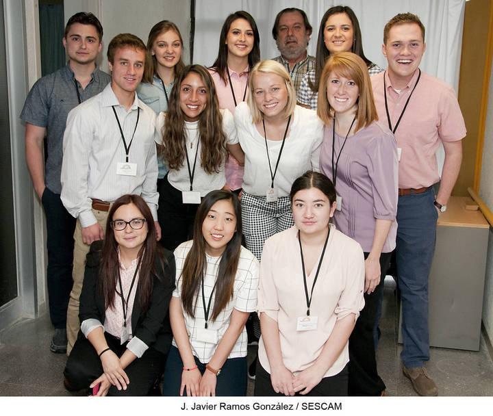 11 estudiantes de la Brigham Young University, de Utah, asisten como ...