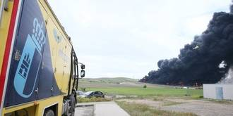 Arde el cementerio de neumáticos más grande de Europa, situado entre Seseña y Valdemoro