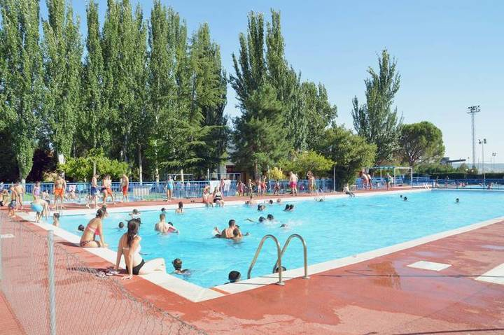 Comienza la temporada de baños en la piscina de verano de Azuqueca