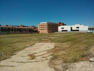 Azuqueca recuerda a los propietarios de parcelas que deben mantenerlas limpias de vegetación