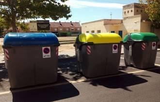 Dos menores se dedicaron a volcar 40 contenedores de basura en una noche