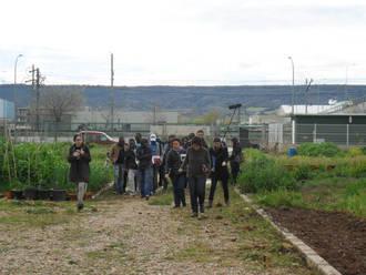 Una delegación angoleña se interesa por el proyecto de los Huertos Ecosociales de Azuqueca