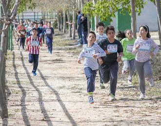 Las AMPAs de los tres centros públicos de Marchamalo celebran la primera School Race contra el bullying