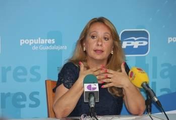 """El PP de Azuqueca ensalza el convenio de transporte con Madrid """"que consiguió Cospedal"""""""