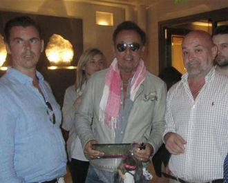 Bruce Springteen recibe en persona su placa como Hijo Adoptivo de Peralejos de las Truchas