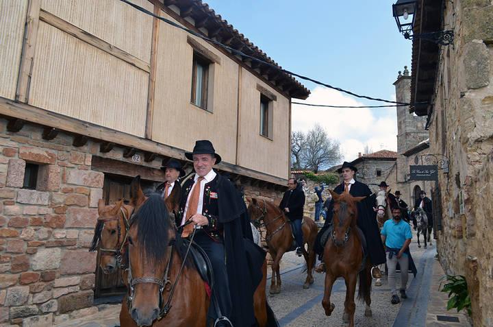 """Atienza celebra su tradicional """"Caballada"""" con una gran afluencia de público"""