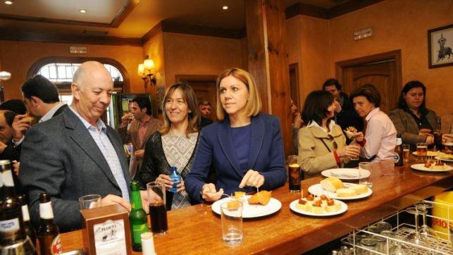 Cospedal afirma en Jadraque que Soria renuncia para no perjudicar al Gobierno ni al PP
