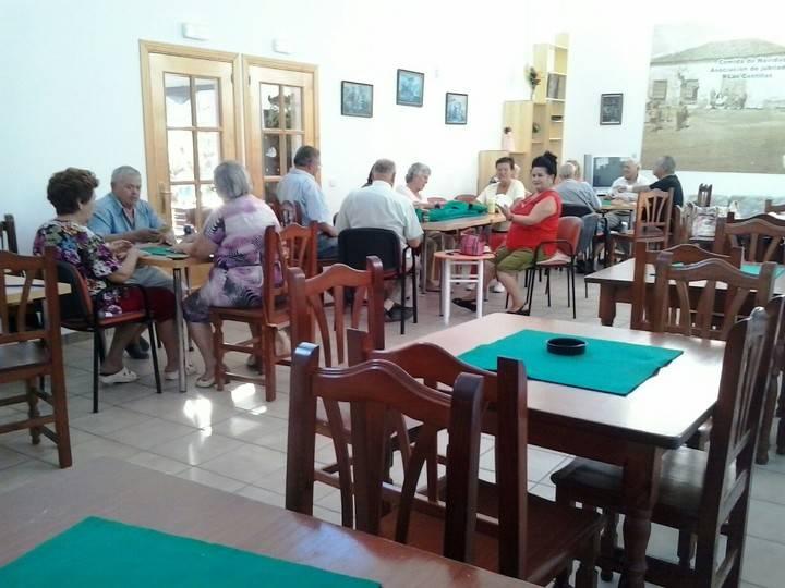 """Los mayores de 'Las Castillas' de Torrejón denuncian que la Junta les quiere llevar a un lugar """"lúgubre e inhóspito"""""""