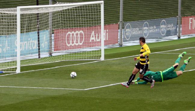El Dépor sigue fallado en defensa y el Castilla, con Mariano, le sentencia con un 6-3