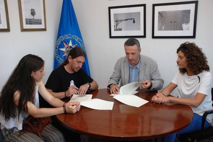 La UNED de Guadalajara y la Asociación Chiquilicuatres firman un convenio de colaboración