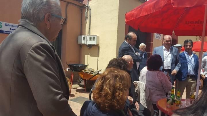 Latre acompaña a los vecinos de Alcolea de las Peñas en sus fiestas de San Isidro