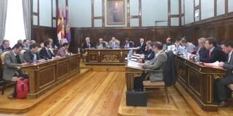 Latre pone en valor el papel de la Diputación para el funcionamiento de los parques de bomberos de la provincia