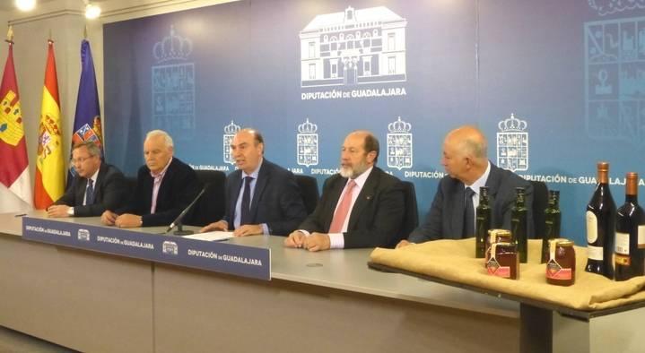 La Diputación reafirma su compromiso con las tres Denominaciones de Origen de la provincia
