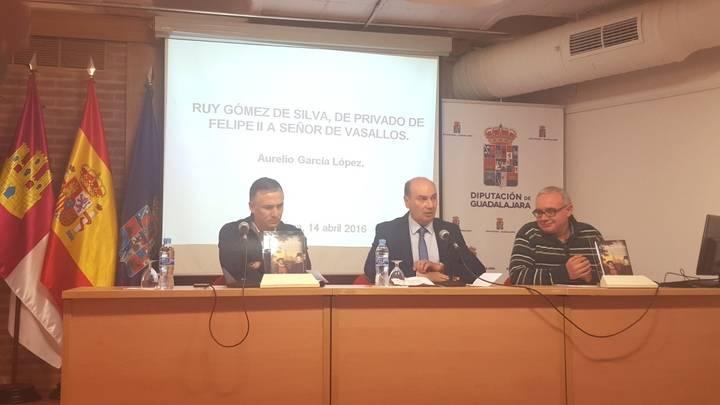 El presidente de la Diputación asiste a la presentación del libro sobre Ruy Gómez de Silva