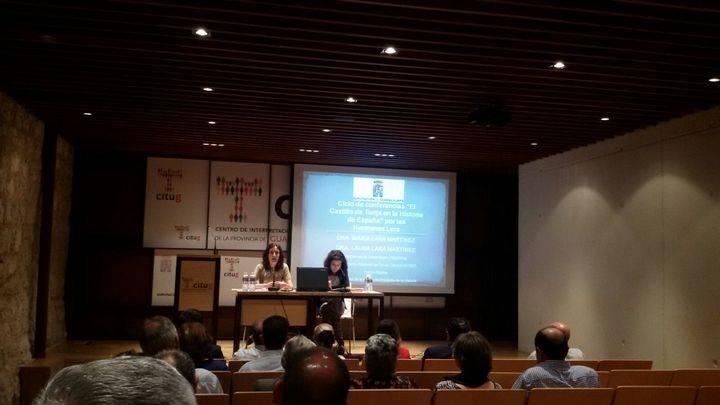 Conferencia de las historiadoras Lara Martínez en el castillo de Torija