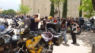 Cerca de un centenar de moteros se suman a la ruta temática por los pueblos del 'Viaje a la Alcarria'
