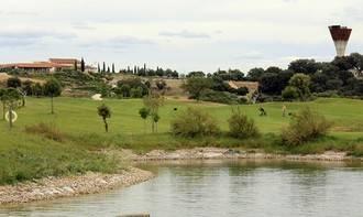 """El Ayuntamiento de Yebes afirma que """"Golf Valdeluz recurre a argucias legales para no pagar el agua durante años"""""""