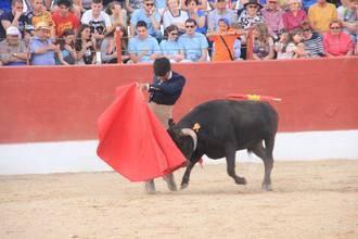 Lleno hasta la bandera en el coso de Fuentenovilla para presenciar el primer festejo de 'Guadalajara busca Torero'