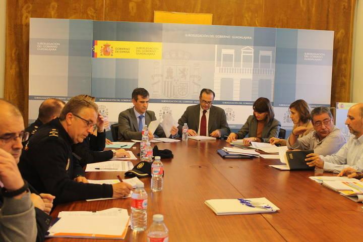 Gregorio y Román copresiden la Junta Local de Seguridad con motivo de la celebración de la Copa de Europa de Fútbol Sala de la UEFA