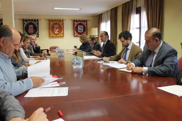 Gregorio destaca la asignación de 9.256.082 euros para crear 2.967 puestos de trabajo en zonas rurales de la región