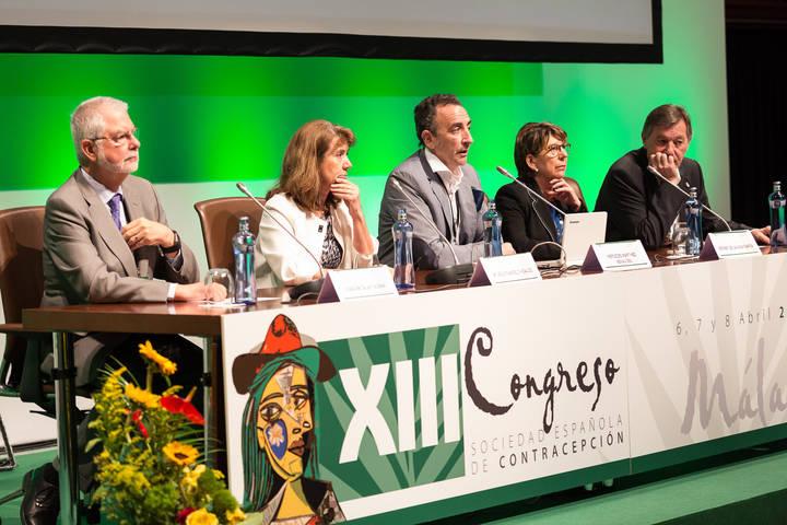 Ginecólogas de Guadalajara analizan el uso de anticonceptivos hormonales en el tratamiento de patologías endocrinológicas