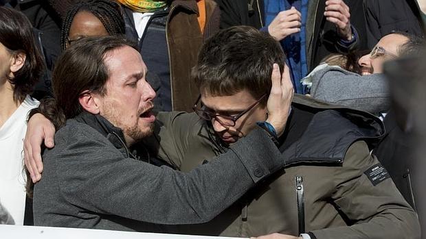 """APM y FAPE condenan los """"intolerables ataques"""" de Pablo Iglesias al periodista Álvaro Carvajal"""