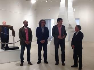 El alcalde de Guadalalajara inaugura la Exposición de Roque Carmona