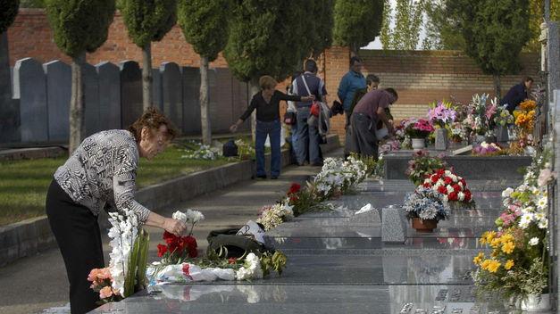 A punto de comenzar las obras de construcción de 48 nuevas sepulturas en el Cementerio de la capital