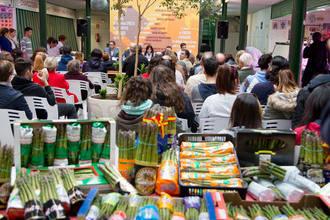 Numeroso público asiste a la tercera de las jornadas del programa municipal ¡Ven al Mercado de Abastos!