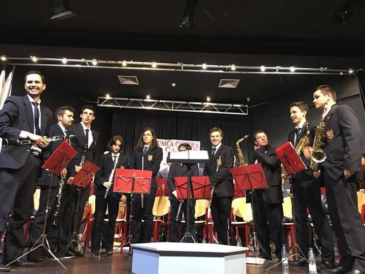 El Concierto de Bandas consiguió recaudar más de 400 euros para la AECC en Alovera