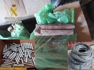 La Guardia Civil neutraliza 20 kilos de explosivos localizados en una nave agrícola de Espinosa de Henares