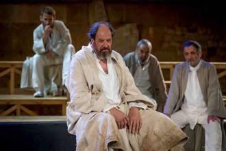 José María Pou como Sócrates y Mr. Snow, teatro y magia sobre las tablas del TABV
