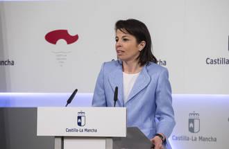 Reyes Estévez deja temporalmente la Consejería de Educación por enfermedad