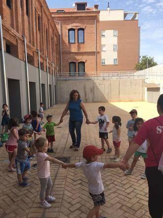 Verónica Renales visita a los participantes en el programa Días sin cole