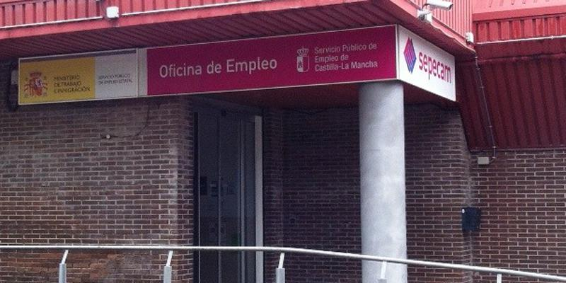 El paro desciende en desempleados en guadalajara en for Oficina empleo guadalajara