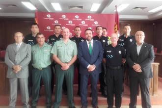 La Guardia Civil reconoce el trabajo de seis policías locales azudenses