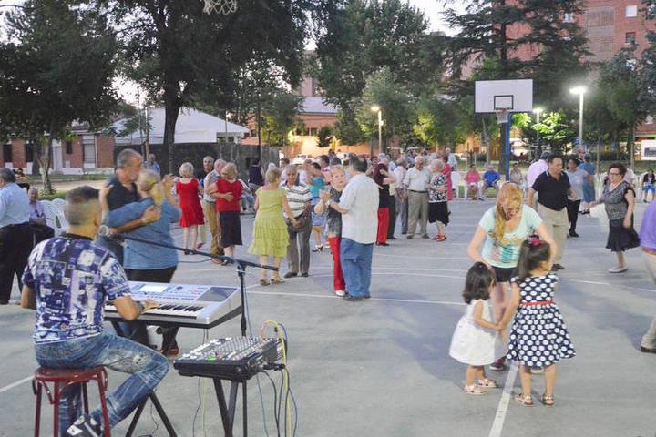 Este fin de semana, música y actividades lúdicas para celebrar el Día de los abuelos en Azuqueca