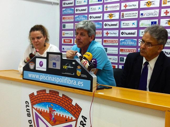 """Alberto Parras, en su presentación: """"Tenemos que confeccionar el mejor equipo posible con humildad, sencillez y trabajo"""""""