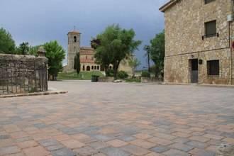 El Ayuntamiento de Tamajon mejora la calle de Enmedio