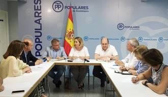 El PP de Guadalajara se reúne con los presidentes nacional y regional de la Red Europea de Lucha contra la Pobreza y la Exclusión Social