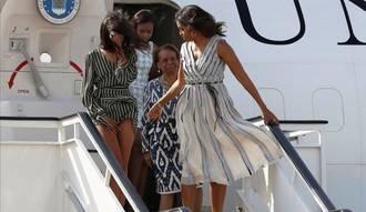 El viento juega una mala pasada a las hijas de Michelle Obama