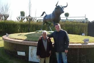 El Ayuntamiento de Ciudad Rodrigo rinde homenaje al alcarreño Miguel Redondo por la dirección de 'Héroes Anónimos'
