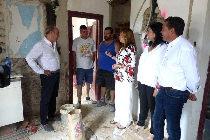 Latre se interesa por los proyectos que lleva a cabo el municipio de Orea con ayuda de la Diputación