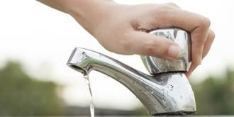 Alovera anima a sus vecinos a que hagan un uso más responsable del agua