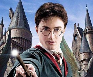 La 8ª entrega de Harry Potter arrasa en las librerías, 2 millones de ejemplares vendidos en 2 días