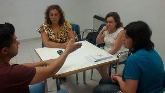 El Ayuntamiento de la capital se interesa por los programas prevención de drogas de Proyecto Hombre
