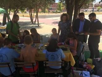 Los participantes del campamento urbano municipal aprenden a reciclar bien