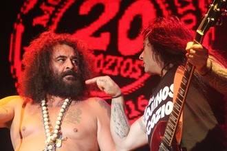 Cabanillas vibra con el rock directo y primario de Mojinos Escozíos